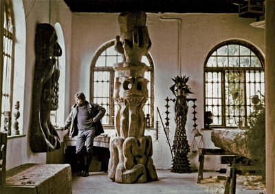 Lubo Kristek in his studio in Landsberg am Lech
